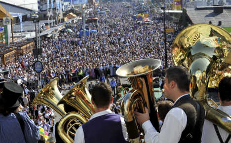 Oktoberfest visitor numbers stable but stealing more glasses