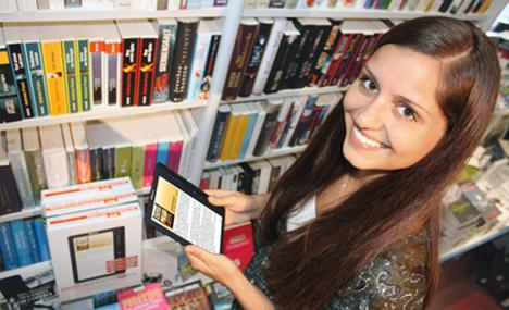 Book publisher challenges Amazon by launching a €40 e-reader