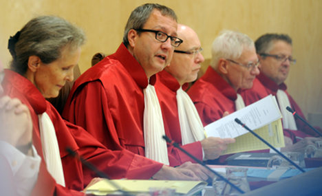 Court stops fast-track bailout fund committee