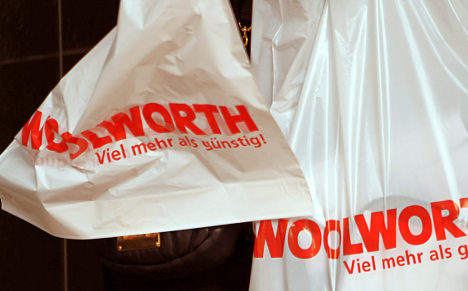 Greens call for plastic bag levy to reduce use