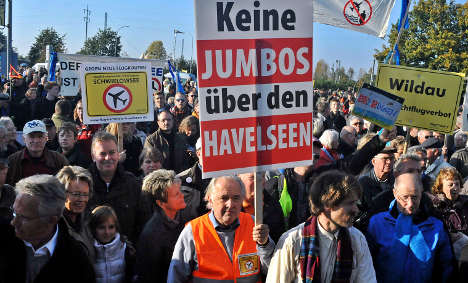 At least 7,500 protest night flights at expanded Berlin airport