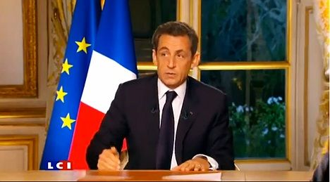 Sarkozy woos voters after euro deal