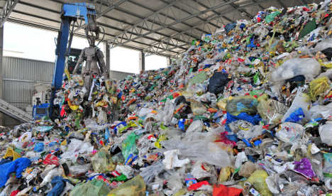 Rubbish law aims to boost recycling