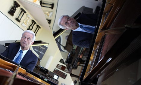 Transport minister plays Mozart for harried drivers