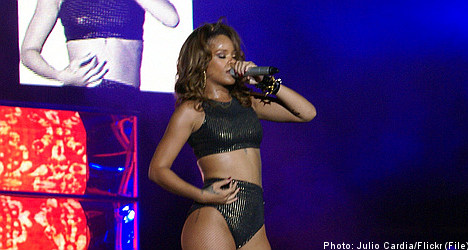 Rihanna 'too ill' to perform in Stockholm