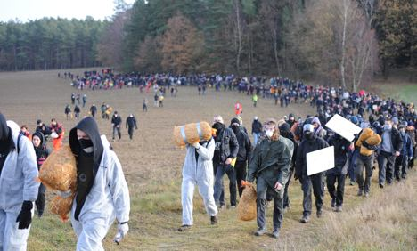 Nuclear waste train trundles towards protests