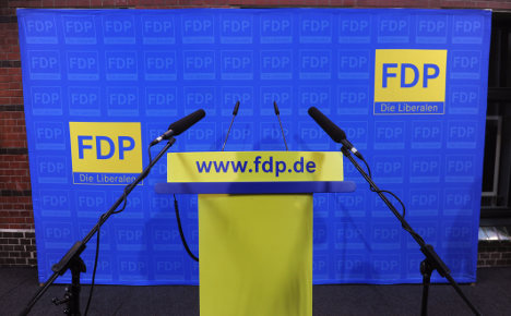 Popularity for FDP plummets further