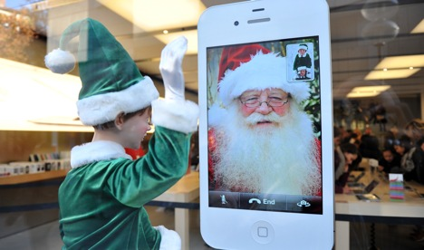 Apple fights to save Christmas sales