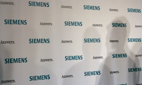 Nine charged in US in Siemens corruption case
