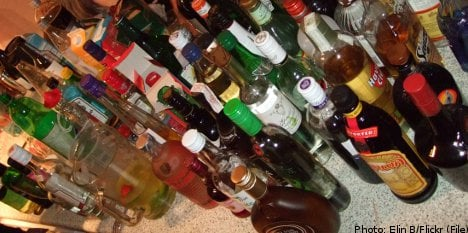 86 charged after massive booze smuggling probe