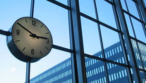 Clockwatchers need more time to decide on leap second