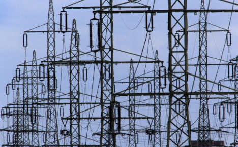 Hundreds of thousands have no electricity