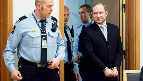 Breivik planned to steal plane and fly to Serbia