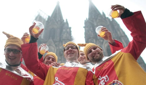 Carousing at Cologne carnival – now in English