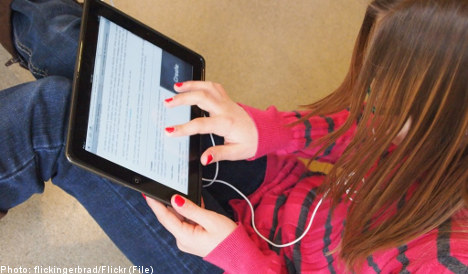 Swedish schools aim to ditch books by 2013