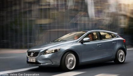 Volvo unveils first car with 'pedestrian' airbags