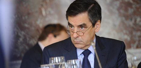 Fillon to review chess prodigy deportation