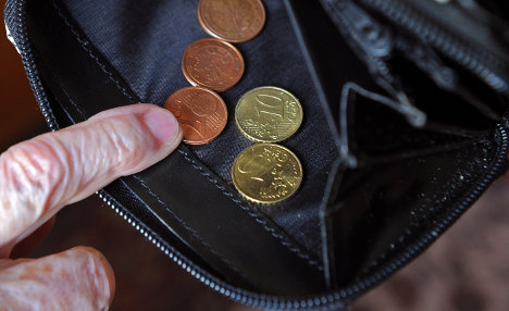 Freelancers fight forced pension plan