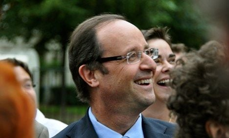 Hollande has turbulent first day