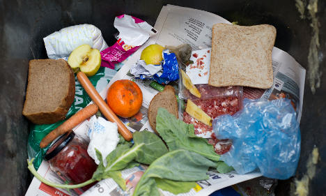 Doggie bags, smaller servings to cut waste