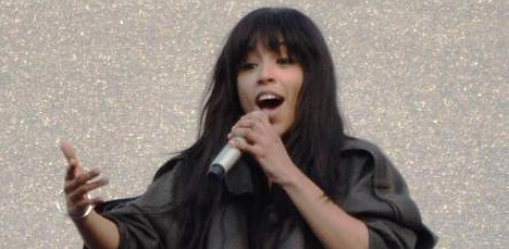 Euphoric fans welcome Loreen back to Sweden