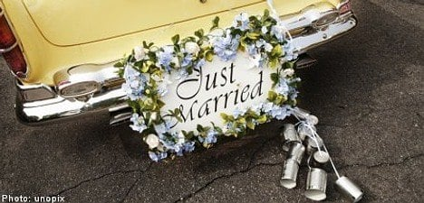 'Wedded' couples not married after mayor error