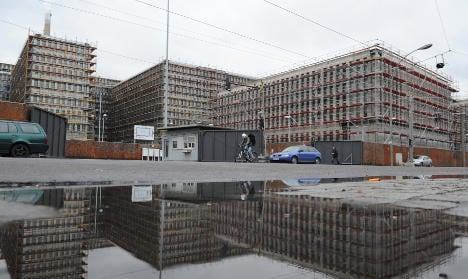 New national spy HQ to open a year late