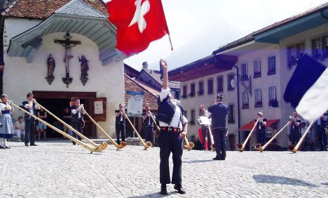 New citizens offered lessons in being Swiss