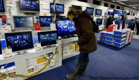 Rain sees more Swedes shop for electronics