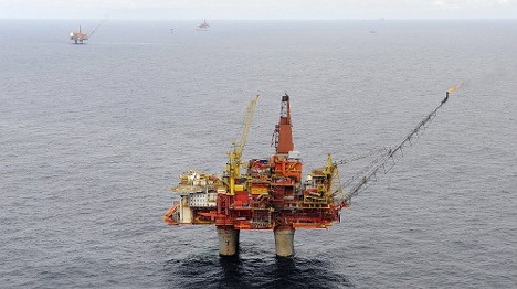Bed-sharing oil workers merit big money: union