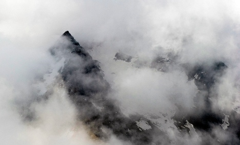 Five hikers dead after 400-metre fall in Alps