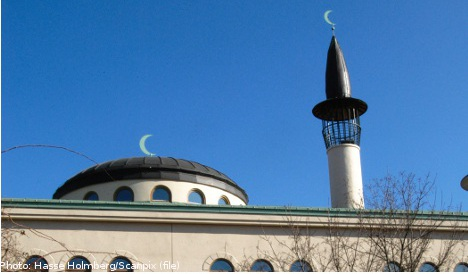 Muslim groups face threats in Sweden: study