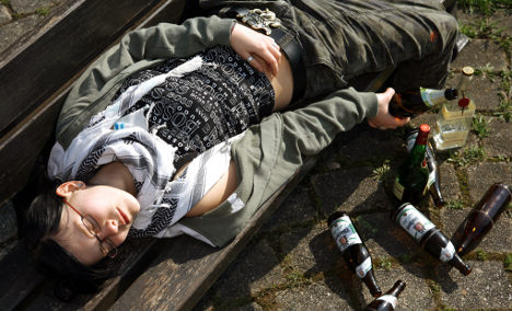 Young teens in party ban to fight binge-drinking