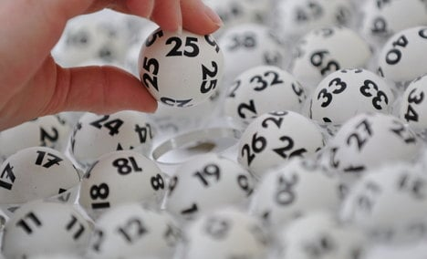 Most Germans would keep job after lotto win