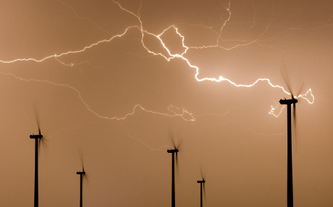 Storms 'getting stronger' due to warmer ground