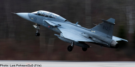 Swiss will press on with Swedish fighter jet deal