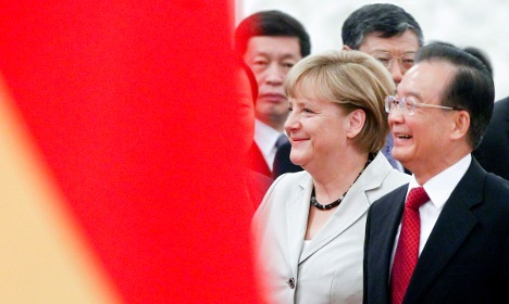 Chinese 'will invest to help boost euro'