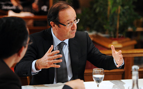 François Hollande suffers drop in support: poll
