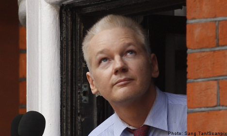 Lawyer has 'surprising' news in Assange case