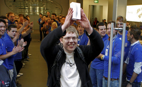 iPhone 5 launch day fever in Germany