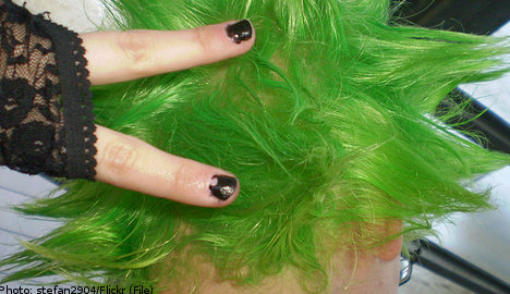 'Nerdy' Swede wins faux- Nobel for green-hair find