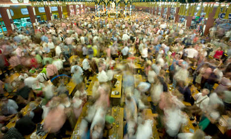 Blood and booze for foreigners at Oktoberfest