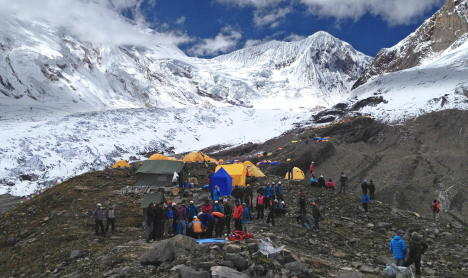 German climber dies in Nepalese avalanche