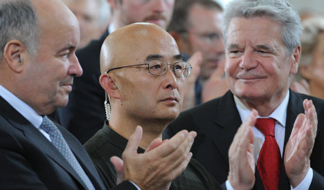 Germany honours dissident Chinese author