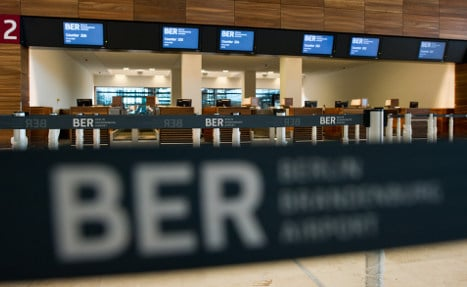 Berlin airport building stops over cash woes