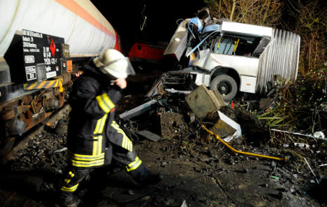 Bus driver saves lives in spectacular train crash