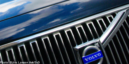 Volvo drives cash into its Swedish factories