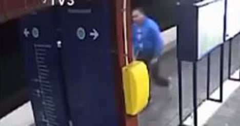 Metro thief is wanted for Paris killing
