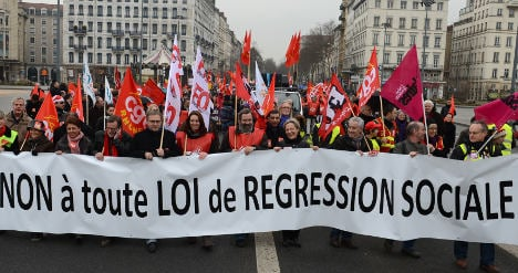 French unions strike over reform of labour laws