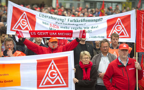50,000 metalworkers strike for more pay